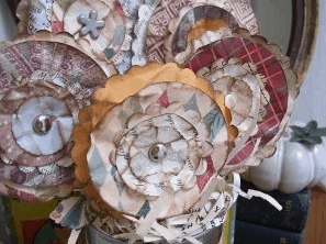 Fall paper flower tutorial on DuctTapeAndDenim.com