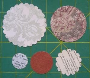 Paper circles for fall paper flower bouquet | DuctTapeAndDenim.com