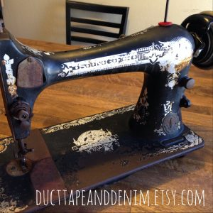 My New Vintage Singer Sewing Machine | DuctTapeAndDenim.com