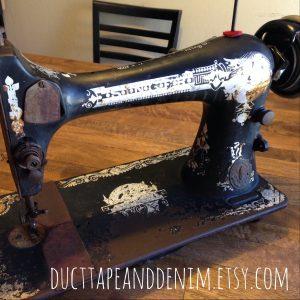 My New Vintage Singer Sewing Machine | DuctTapeAndDenim.com