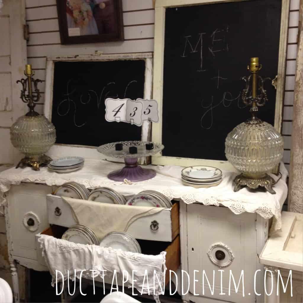 Vintage wedding rentals by Sweet Beginnings | DuctTapeAndDenim.com