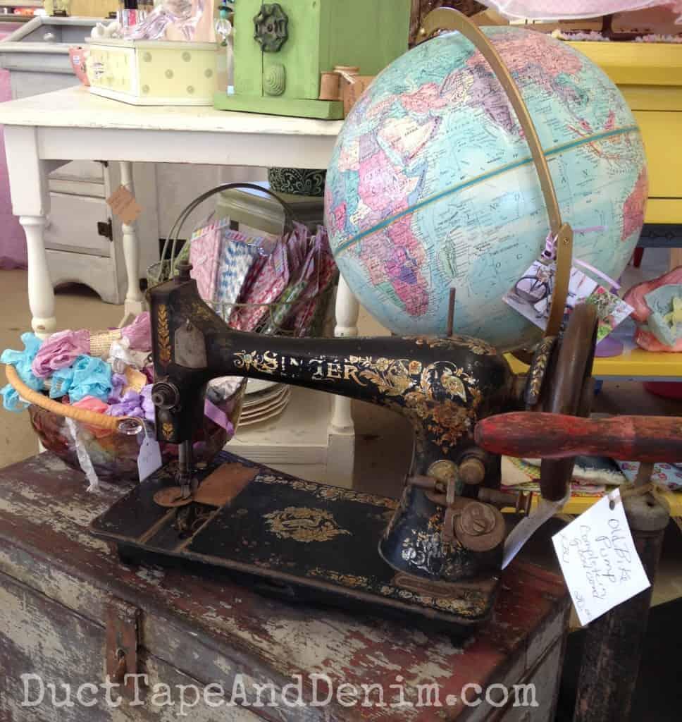 Vintage Singer sewing machine at Roadside Relics Vintage Market | DuctTapeAndDenim.com