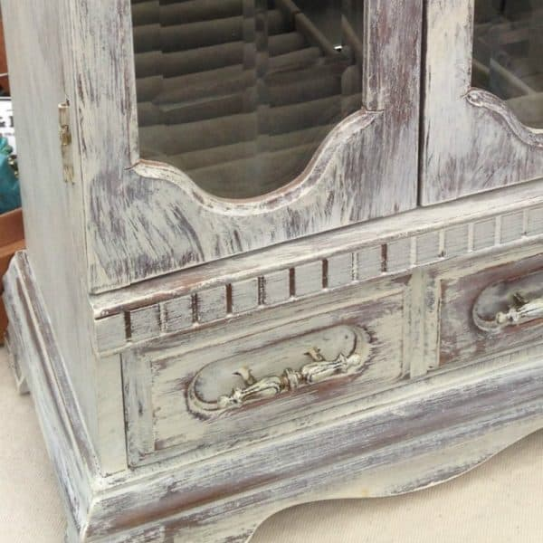 Dry brushing jewelry cabinet SQUARE