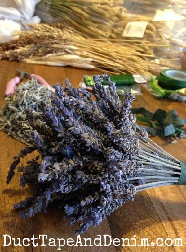 DIY lavender wedding bouquet for the bride   DuctTapeAndDenim.com