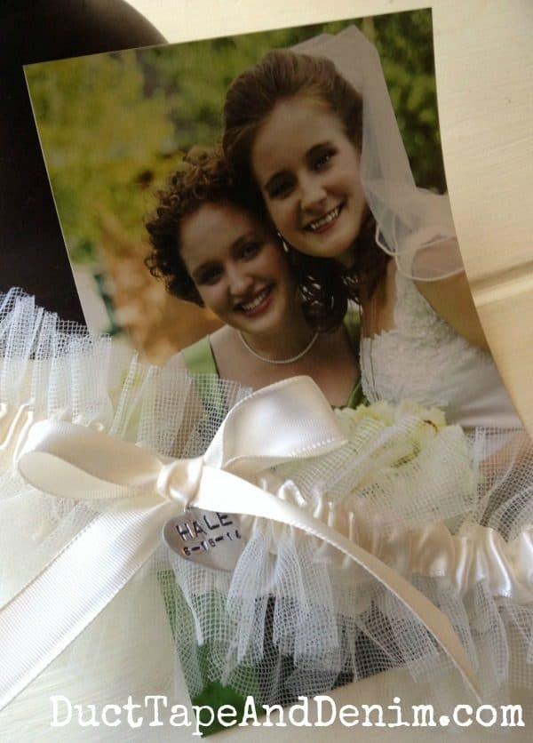 Girls wedding photo with finished garter | DuctTapeAndDenim.com