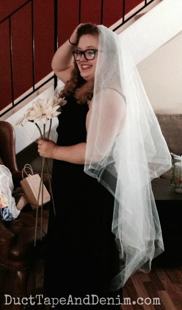 DIY bridal veil | DuctTapeAndDenim.com