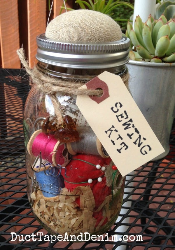 Finished Anthropologie inspired mason jar sewing kit | DuctTapeAndDenim.com
