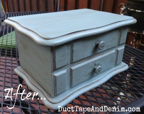 Here's my thrift store jewelry box AFTER I painted it with Fusion Mineral Paint | DuctTapeAndDenim.com
