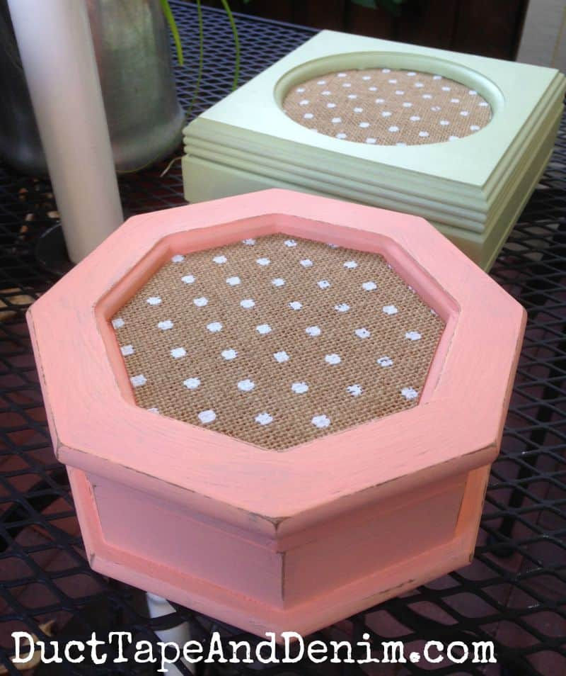 Thrift store makeover, jewelry boxes with burlap | DuctTapeAndDenim.com