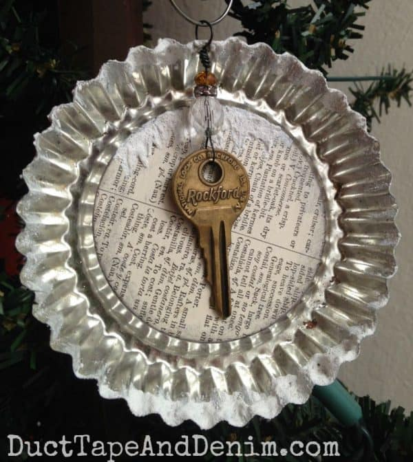 Vintage tart tin Christmas ornament with key | DuctTapeAndDenim.com