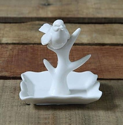 Ceramic ring holder with bird ~ gift ideas for Fixer Upper fans ~ DuctTapeAndDenim.com