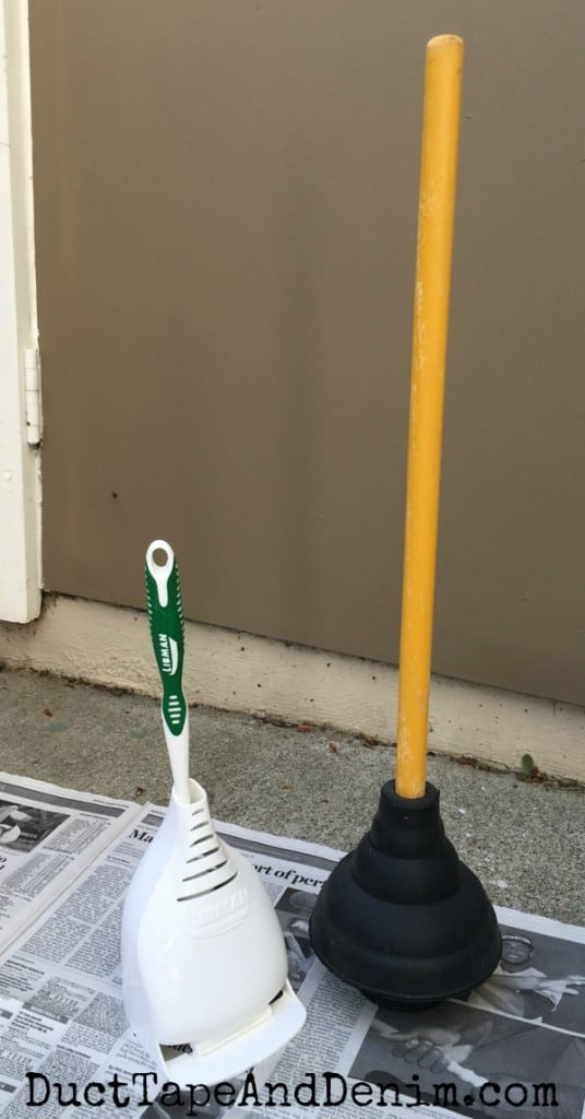 BEFORE painting my necessary bathroom plunger and toilet brush with spray paint bathroom makeover | DuctTapeAndDenim.com