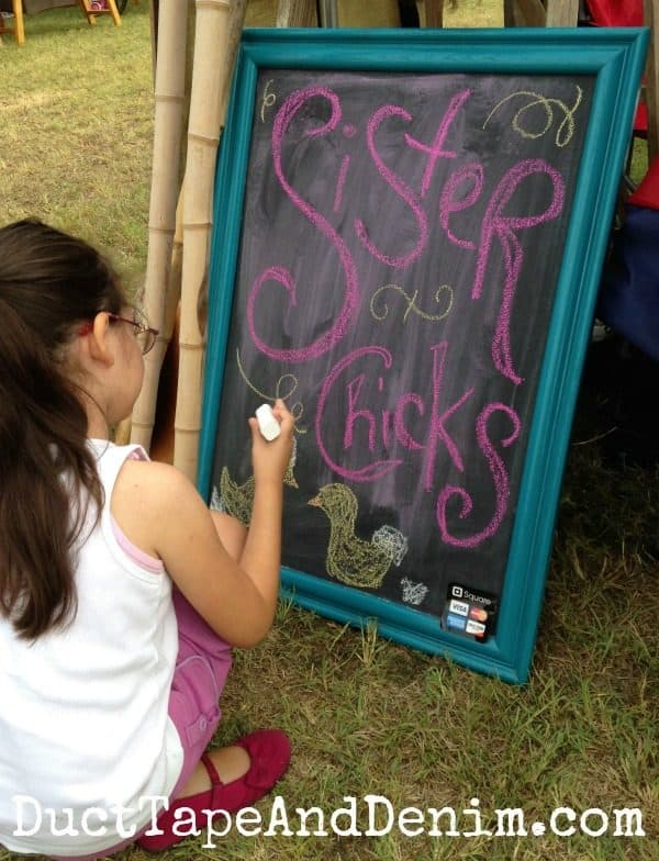 Sister Chicks chalkboard sign at Antique Alley Texas flea market | DuctTapeAndDenim.com