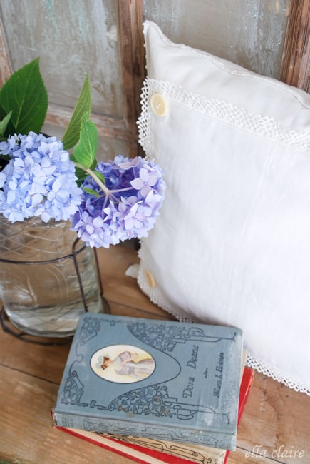 Vintage linen pillow | DuctTapeAndDenim.com