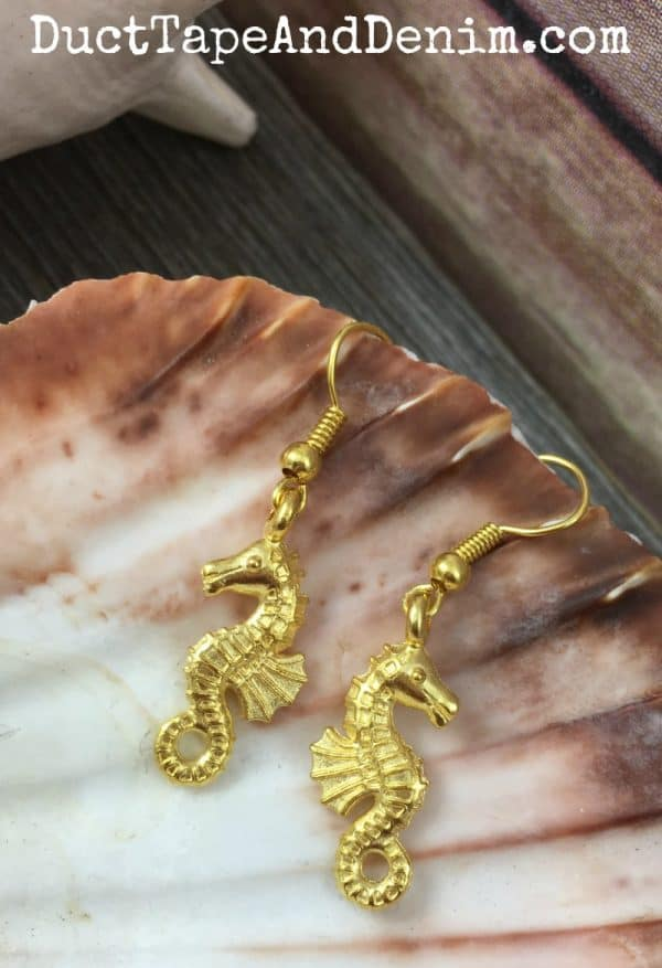 How to make simple gold charm seahorse earrings for summer beach vacations | DuctTapeAndDenim.com