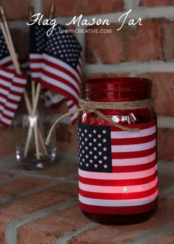 Flag mason jar candle holder, more quick easy 4th of July decorations on DuctTapeAndDenim.com