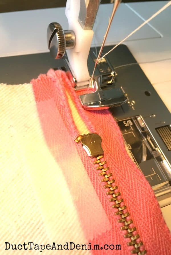 Sewing zipper on makeup bag | DuctTapeAndDenim.com