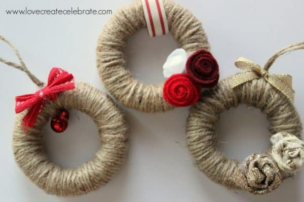Jute mini wreath Christmas ornaments. More DIY ornament ideas on DuctTapeAndDenim.com