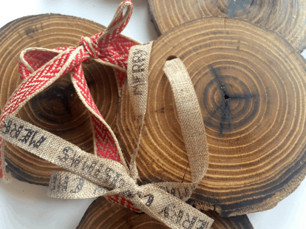 Rustic wood Christmas ornaments. More DIY ornament ideas on DuctTapeAndDenim.com