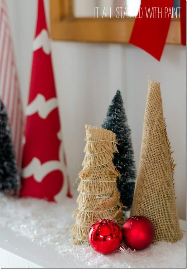 Burlap Christmas trees. More ideas for farmhouse style Christmas decorations on DuctTapeAndDenim.com