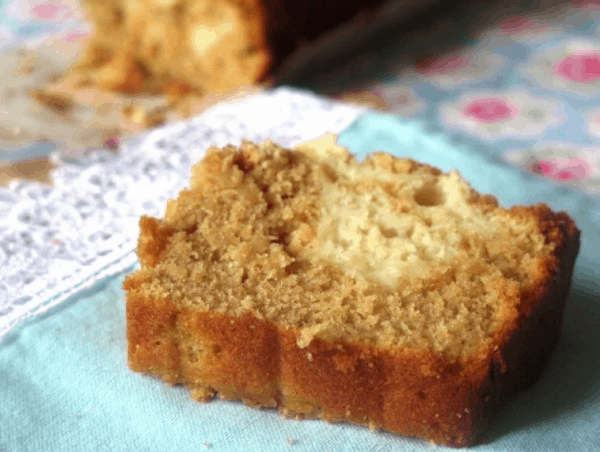 Cream-Cheese-Stuffed-Snickerdoodle-Apple-Bread