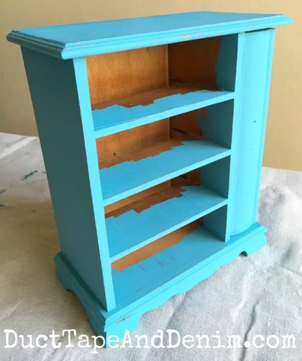 Turquoise blue thrift store jewelry box makeover, chalky paint | DuctTapeAndDenim.com