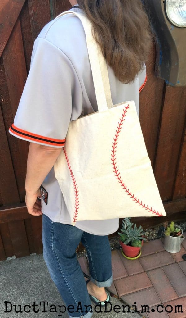 Finished baseball bag | DuctTapeAndDenim.com