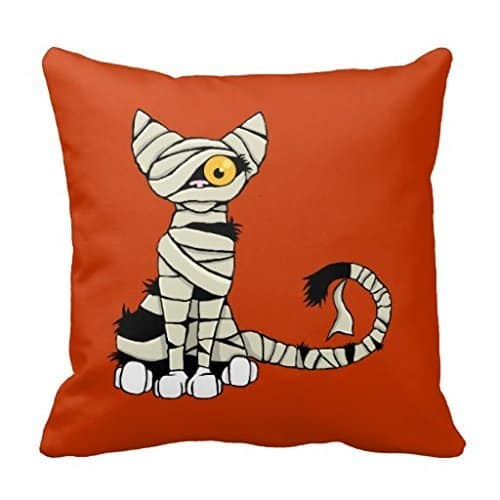 Mummy cat Halloween pillow cover, more Halloween pillows on Duct Tape and Denim blog, DuctTapeAndDenim.com