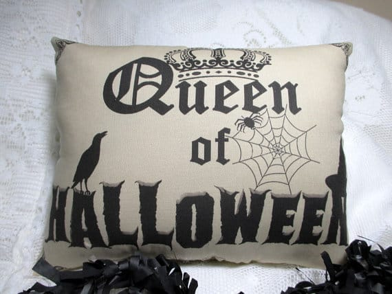 Queen of Halloween pillow cover, more Halloween pillows on Duct Tape and Denim blog, DuctTapeAndDenim.com