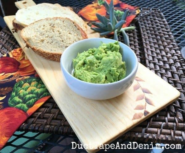 Avocado toast on sandwich serving board DIY | DuctTapeAndDenim.com