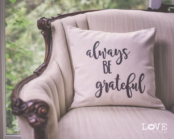 Always be grateful, Thanksgiving pillows | DuctTapeAndDenim.com
