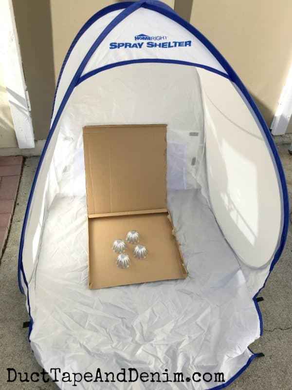 I use this Homeright spray shelter when I spray paint | DuctTapeAndDenim.com