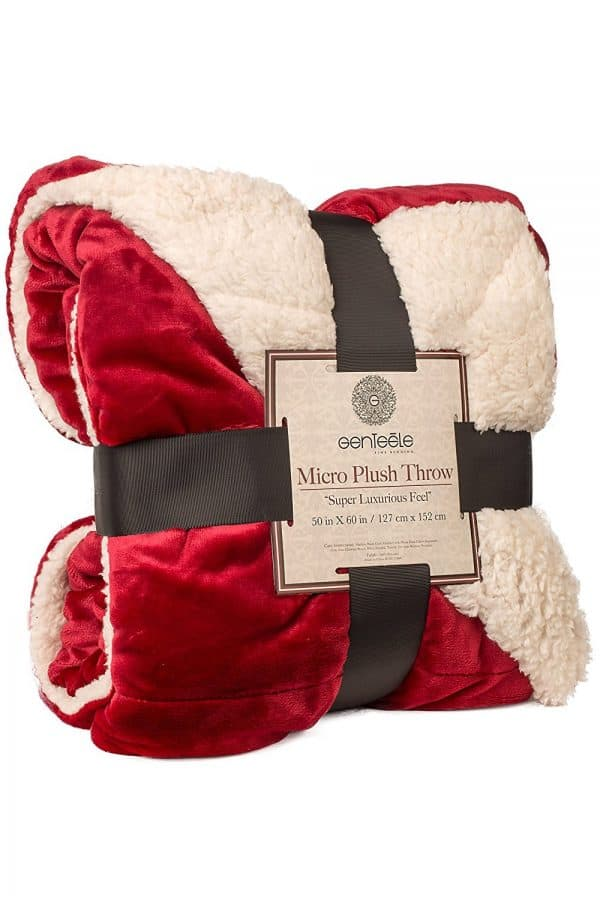 25 Cozy Christmas Blankets for Curling Up on the Couch