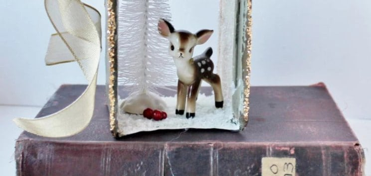 Vintage Reindeer Christmas Decoration   12Doc, Day Four