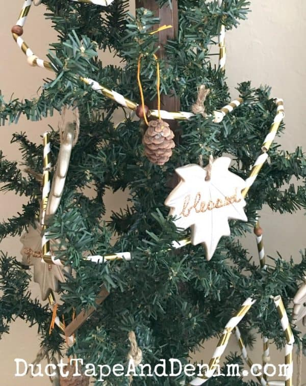 My Thanksgiving tree with DIY leaf ornaments | DuctTapeAndDenim.com