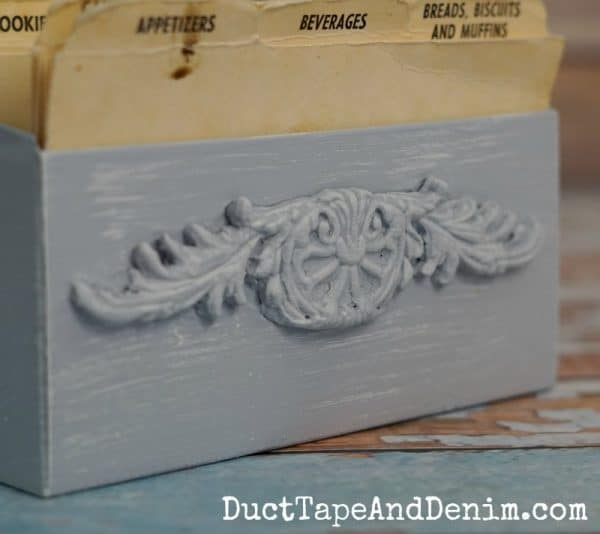 Close up of paper clay detail on recipe box | DuctTapeAndDenim.com
