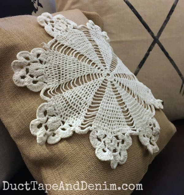 Doily burlap DIY throw pillow