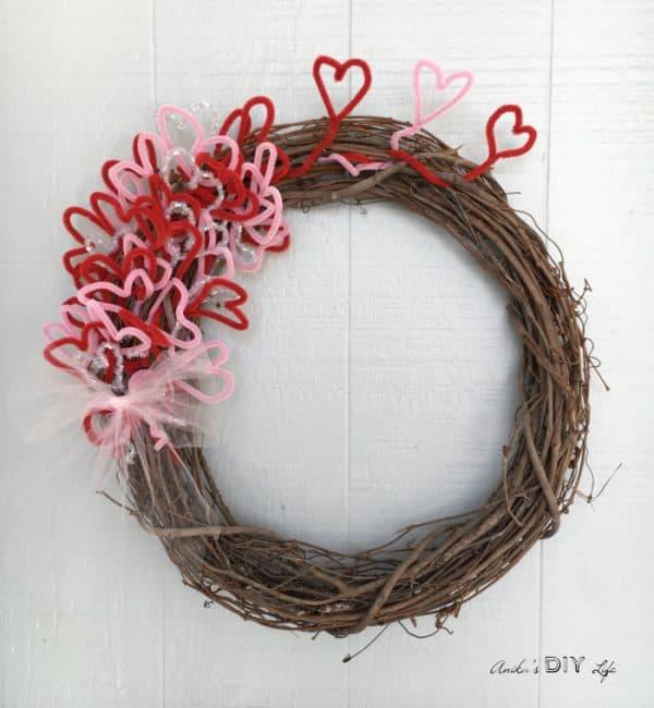Easy DIY Valentine wreath under $5 . More wreath ideas on DuctTapeAndDenim.com