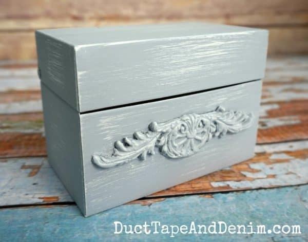 Vintage metal recipe card box | DuctTapeAndDenim.com