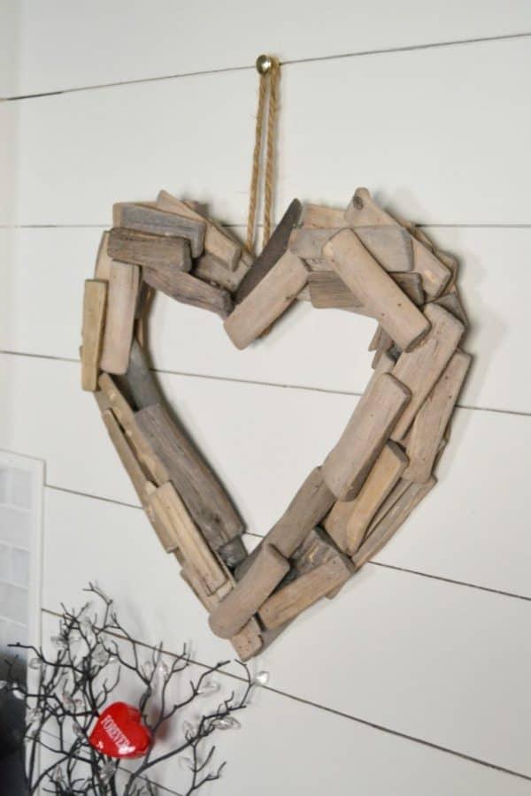 driftwood heart wreath, more DIY Valentine's Day wreaths on DuctTapeAndDenim.com