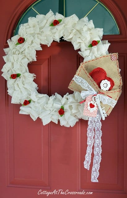 Fabric valentine wreath with burlap envelope red heart | DuctTapeAndDenim.com