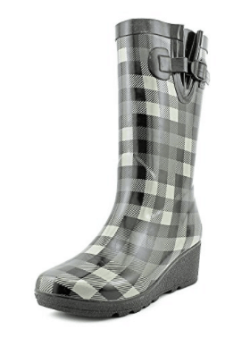 Clark's plaid rain boots, What to Wear to Flea Markets | DuctTapeAndDenim.com