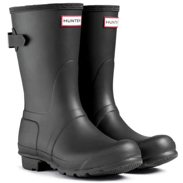 Hunter Original Short Black Boots, What to Wear to Flea Markets | DuctTapeAndDenim.com