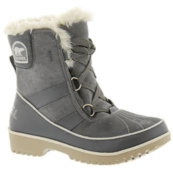 Sorel snow boots, What to Wear to Flea Markets | DuctTapeAndDenim.com