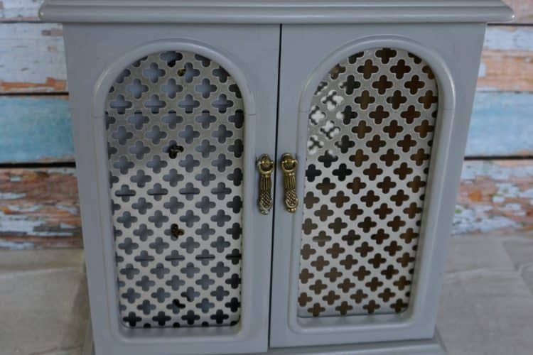 Gray jewelry cabinet makeover on DuctTapeAndDenim.com SQUARE