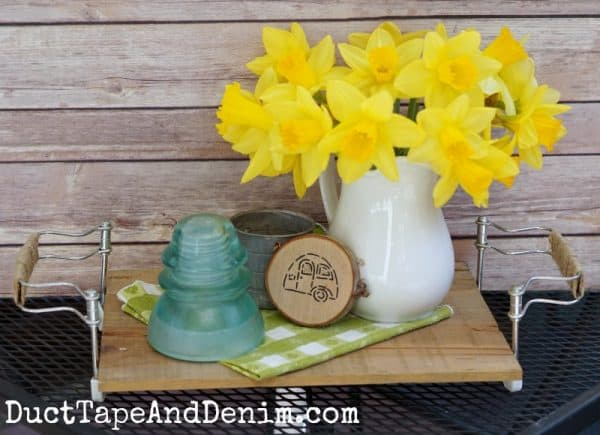 Stenciled wood vintage camper trailer coasters with daffodils | DuctTapeAndDenim.com