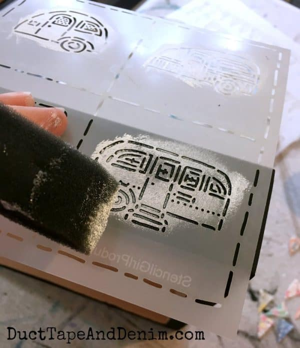 Stenciling vintage camper trailers on edge of wood canvas | DuctTapeAndDenim.com