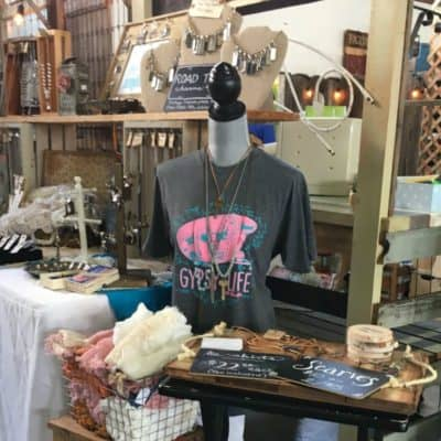 "Roses and Rust Flea Market, Spring 2017 & My New ""Gone Junkin'"" T-Shirts"