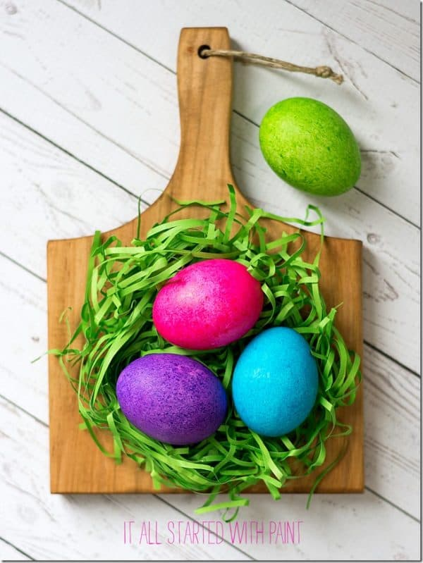 color-easter-eggs-with-rice-and-food-coloring-4-of-21-2_thumb