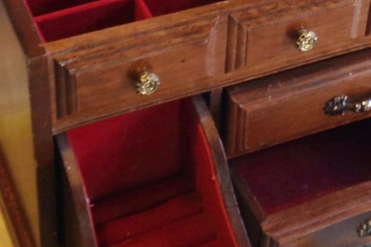 5 simple jewelry box makeovers SQUARE